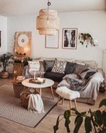 Gorgeous Bohemian Farmhouse Decorating Ideas For Your Living Room 40