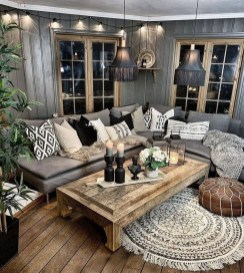 Gorgeous Bohemian Farmhouse Decorating Ideas For Your Living Room 41