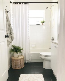 Impressive Black Floor Tiles Design Ideas For Modern Bathroom 21