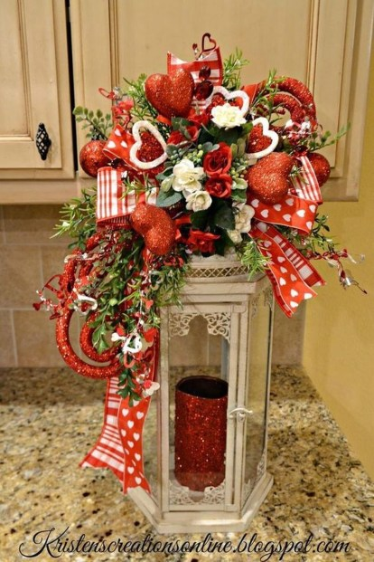 Lovely Valentines Day Home Decor To Win Over The Hearts 23
