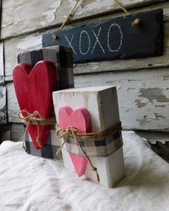 Lovely Valentines Day Home Decor To Win Over The Hearts 28