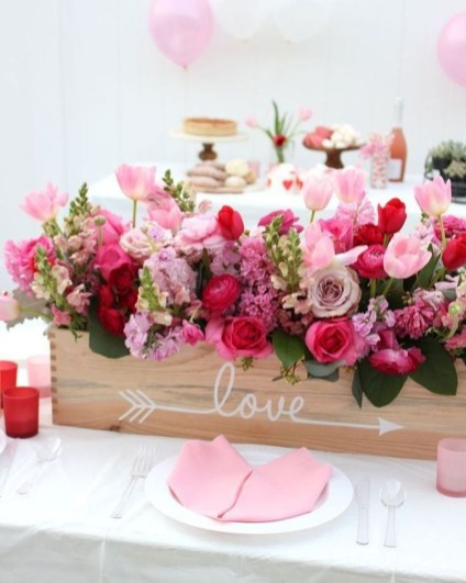 Magnificent Dining Room Decorating Ideas For Valentine's Day 10