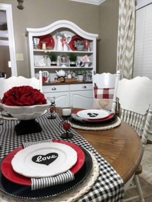 Magnificent Dining Room Decorating Ideas For Valentine's Day 19