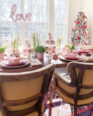 Magnificent Dining Room Decorating Ideas For Valentine's Day 40