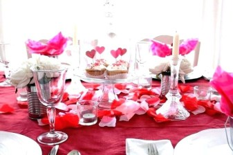 Most Inspiring Valentine's Day Simple Table Decoration Ideas 04