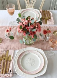 Most Inspiring Valentine's Day Simple Table Decoration Ideas 10