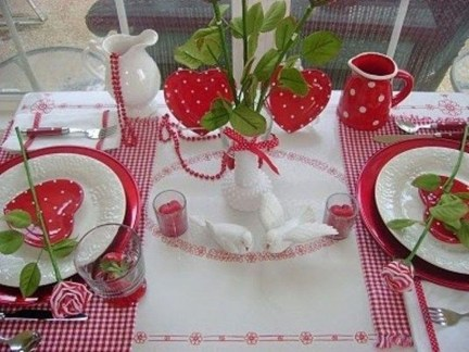 Most Inspiring Valentine's Day Simple Table Decoration Ideas 14