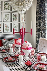 Most Inspiring Valentine's Day Simple Table Decoration Ideas 19