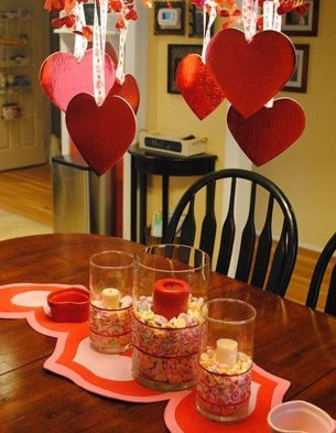 Most Inspiring Valentine's Day Simple Table Decoration Ideas 35