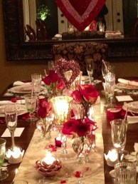 Most Inspiring Valentine's Day Simple Table Decoration Ideas 36