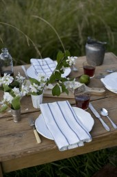 Most Inspiring Valentine's Day Simple Table Decoration Ideas 39