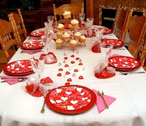 Most Inspiring Valentine's Day Simple Table Decoration Ideas 48