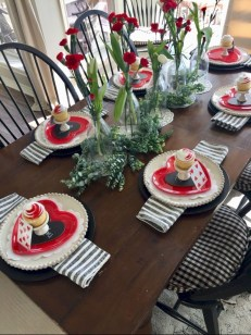 Perfect Valentine's Day Romantic Dining Table Decor Ideas For Two People 11