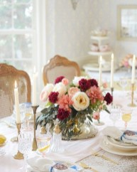 Perfect Valentine's Day Romantic Dining Table Decor Ideas For Two People 38