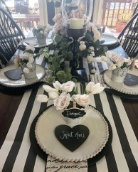 Perfect Valentine's Day Romantic Dining Table Decor Ideas For Two People 39
