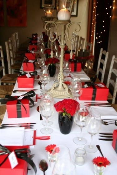 Perfect Valentine's Day Romantic Dining Table Decor Ideas For Two People 46
