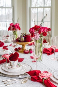Perfect Valentine's Day Romantic Dining Table Decor Ideas For Two People 49