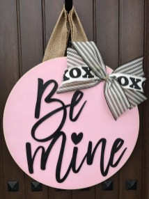 Pretty Valentines Day Wreath Ideas To Decorate Your Door 14