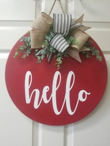 Pretty Valentines Day Wreath Ideas To Decorate Your Door 39