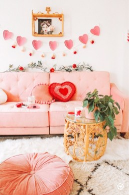 Romantic Valentine Decoration Ideas For Your Living Room 13