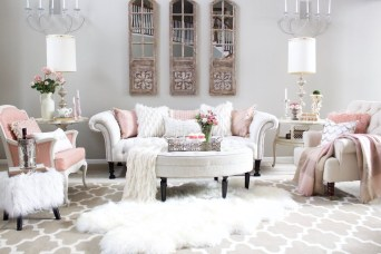 Romantic Valentine Decoration Ideas For Your Living Room 32