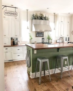 Rustic Farmhouse Kitchen Ideas To Get Traditional Accent 01