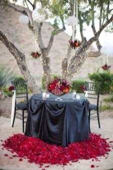 Unordinary Valentine Outdoor Decorations Table Settings For Couple 01