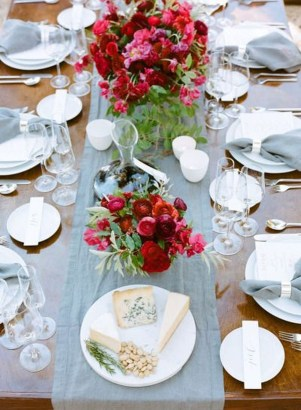 Unordinary Valentine Outdoor Decorations Table Settings For Couple 09