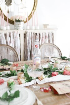 Unordinary Valentine Outdoor Decorations Table Settings For Couple 33