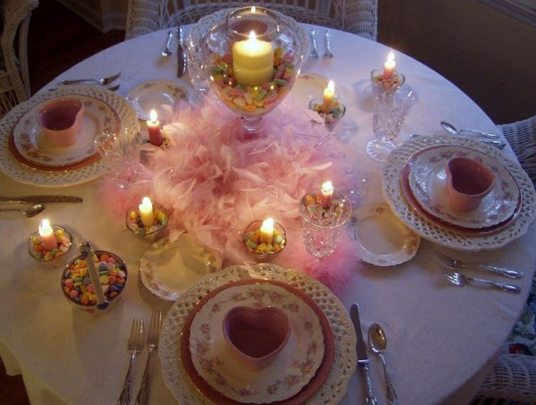Unordinary Valentine Outdoor Decorations Table Settings For Couple 48