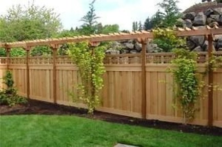Awesome Farmhouse Garden Fence For Winter To Spring 11