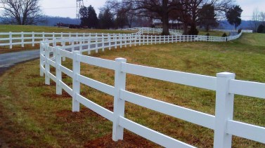 Awesome Farmhouse Garden Fence For Winter To Spring 17