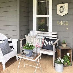 Cute Spring Porch Pillow Decoration Ideas That Will Inspire You 19
