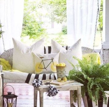 Cute Spring Porch Pillow Decoration Ideas That Will Inspire You 20