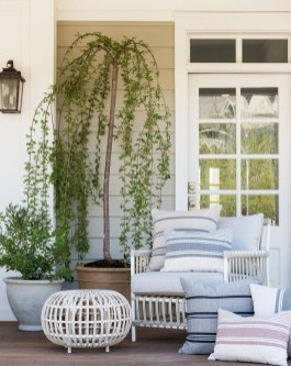 Cute Spring Porch Pillow Decoration Ideas That Will Inspire You 32