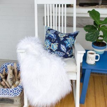 Cute Spring Porch Pillow Decoration Ideas That Will Inspire You 33