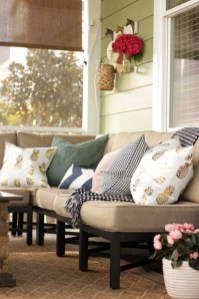 Cute Spring Porch Pillow Decoration Ideas That Will Inspire You 39