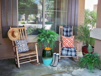 Elegant Chair Decoration Ideas For Spring Porch 11