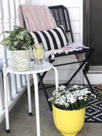 Elegant Chair Decoration Ideas For Spring Porch 48