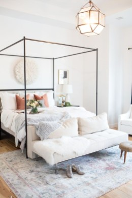 Fabulous White Bedroom Design In The Small Apartment 06