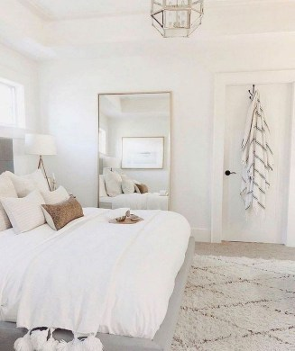 Fabulous White Bedroom Design In The Small Apartment 09