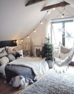 Fabulous White Bedroom Design In The Small Apartment 32