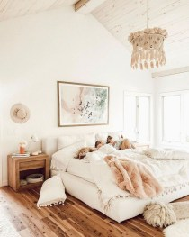 Fabulous White Bedroom Design In The Small Apartment 41