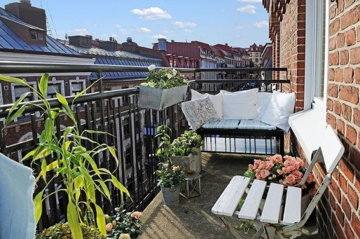 Fascinating Small Balcony Ideas With Relax Seating Area 18
