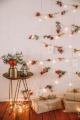 Pretty DIY Fairy Light Ideas For Minimalist Bedroom Decoration 02