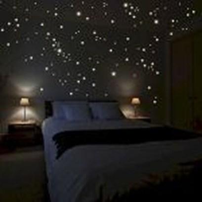 Pretty DIY Fairy Light Ideas For Minimalist Bedroom Decoration 32