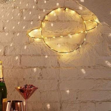 Pretty DIY Fairy Light Ideas For Minimalist Bedroom Decoration 50