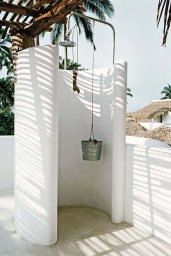 Spectacular Outdoor Bathroom Design Ideas That Feel Like A Vacation 48