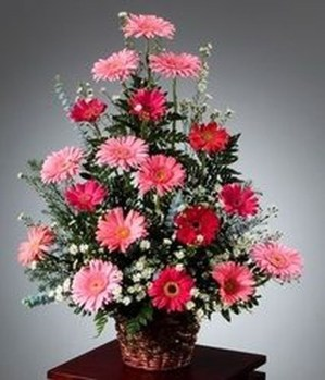 Astonishing Easter Flower Arrangement Ideas That You Will Love 07