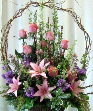 Astonishing Easter Flower Arrangement Ideas That You Will Love 39